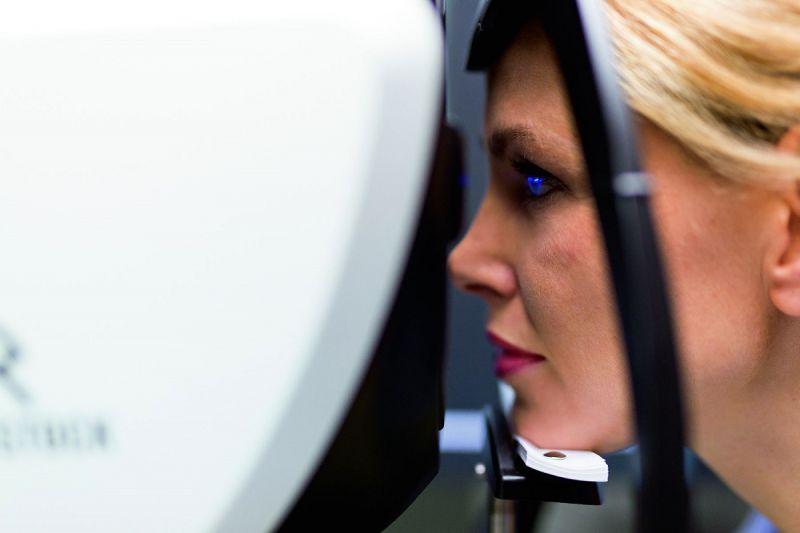 Oogcontrole en oogmeting Boonstra Brillen opticien Apeldoorn